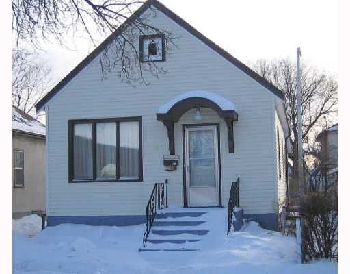 Main Photo: 758 ALFRED Avenue in WINNIPEG: North End Residential for sale (North West Winnipeg)  : MLS®# 2801604