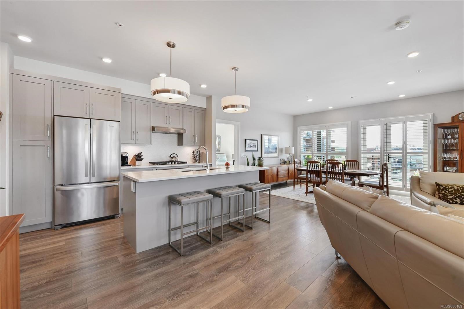 Main Photo: 407 741 Travino Lane in : SW Royal Oak Condo for sale (Saanich West)  : MLS®# 886169