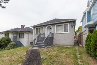 """Photo 1: 2731 DUKE Street in Vancouver: Collingwood VE House for sale in """"NORQUAY NEIGHNOURHOOD"""" (Vancouver East)  : MLS®# R2109817"""