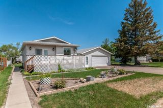 Photo 2: 353 Lillis Avenue in Mclean: Residential for sale : MLS®# SK857302