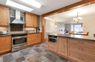 Photo 3: 1222 Gazelle Rd in : CR Campbell River Central House for sale (Campbell River)  : MLS®# 862657