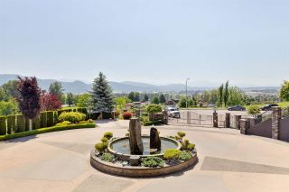 """Photo 4: A315 33755 7 Avenue in Mission: Mission BC Condo for sale in """"The Mews"""" : MLS®# R2591657"""