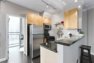 Photo 6: 1601 928 RICHARDS STREET in Vancouver: Yaletown Condo for sale (Vancouver West)  : MLS®# R2441167