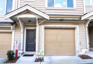 Photo 3: 28 19097 64 Avenue in Surrey: Cloverdale BC Townhouse for sale (Cloverdale)  : MLS®# R2571787