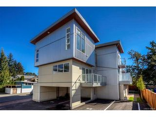 Photo 1: 121 2737 Jacklin Rd in VICTORIA: La Langford Proper Row/Townhouse for sale (Langford)  : MLS®# 748832