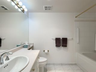 """Photo 10: 210 2105 W 42ND Avenue in Vancouver: Kerrisdale Condo for sale in """"BROWNSTONE"""" (Vancouver West)  : MLS®# R2582976"""