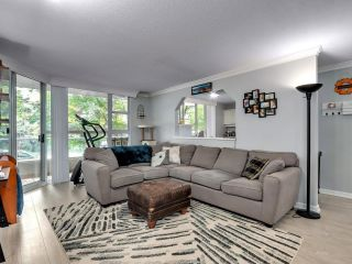 """Photo 4: 302 412 TWELFTH Street in New Westminster: Uptown NW Condo for sale in """"WILTSHIRE HEIGHTS"""" : MLS®# R2625659"""