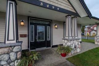 Photo 5: 8499 FENNELL Street in Mission: Mission BC House for sale : MLS®# R2031857