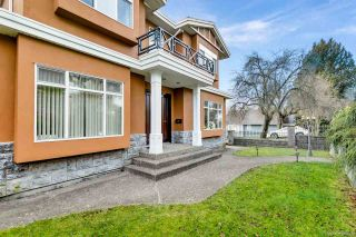 Photo 3: 1810 E 63RD Avenue in Vancouver: Fraserview VE House for sale (Vancouver East)  : MLS®# R2539366