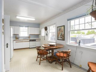 Photo 11: 1861 E 35TH AVENUE in Vancouver: Victoria VE House for sale (Vancouver East)  : MLS®# R2463149