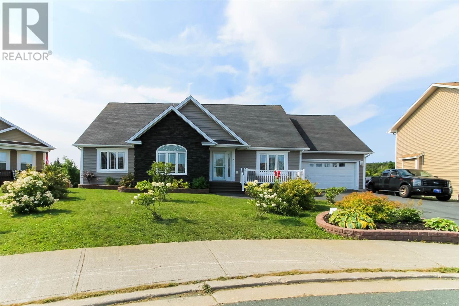 Main Photo: 6 Kate Marie Place in Paradise: House for sale : MLS®# 1236032