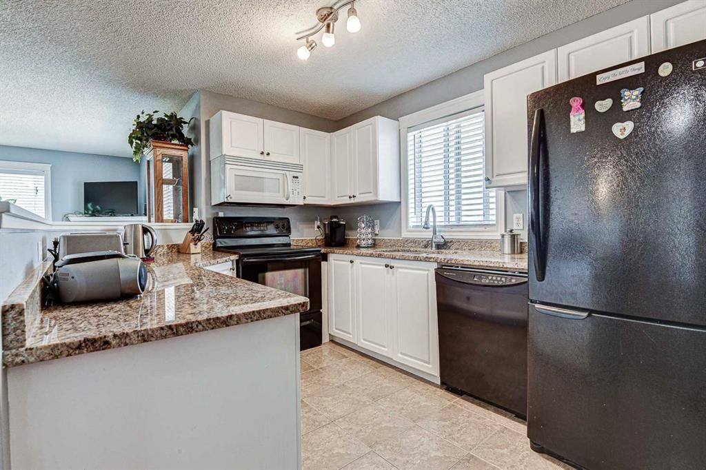 Photo 11: Photos: 414 6000 Somervale Court SW in Calgary: Somerset Apartment for sale : MLS®# A1126946