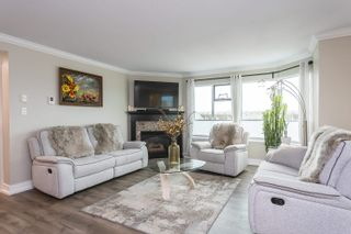 """Photo 2: 803 32440 SIMON Avenue in Abbotsford: Abbotsford West Condo for sale in """"TRETHEWEY TOWER"""" : MLS®# R2625471"""