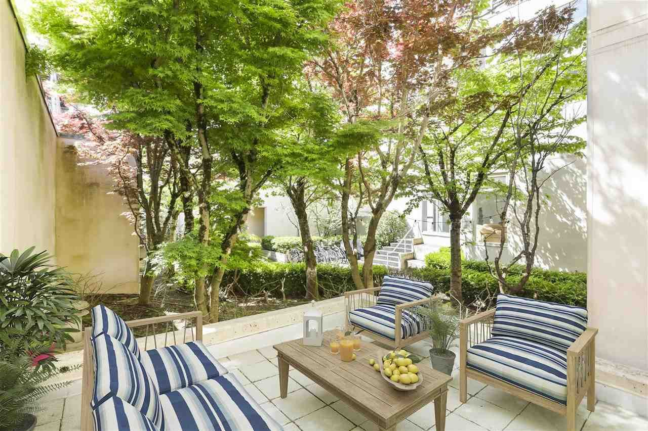 """Main Photo: 203 2438 HEATHER Street in Vancouver: Fairview VW Condo for sale in """"GRAND HEATHER"""" (Vancouver West)  : MLS®# R2456992"""