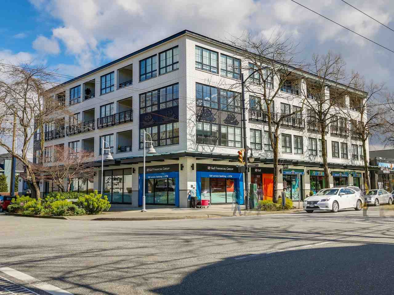 "Main Photo: PH3 2468 BAYSWATER Street in Vancouver: Kitsilano Condo for sale in ""BAYSWATER BY  MOSACI"" (Vancouver West)  : MLS®# R2050432"