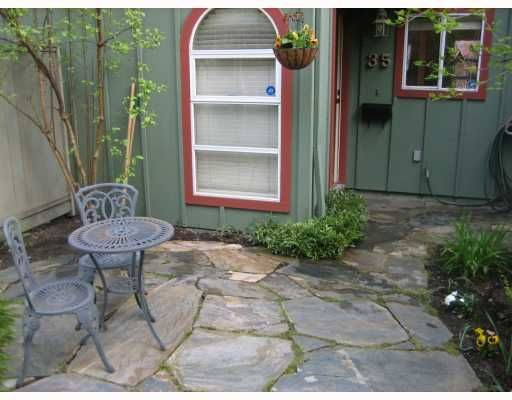 """Main Photo: 35 900 W 17TH Street in North_Vancouver: Hamilton Townhouse for sale in """"FOXWOOD HILLS"""" (North Vancouver)  : MLS®# V764145"""