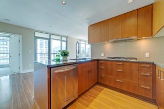 """Photo 4: 1603 3008 GLEN Drive in Coquitlam: North Coquitlam Condo for sale in """"M2 by Cressey"""" : MLS®# R2601038"""