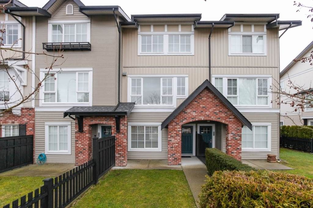 Main Photo: 18 2450 161A Street in Surrey: Grandview Surrey Townhouse for sale (South Surrey White Rock)  : MLS®# R2142988