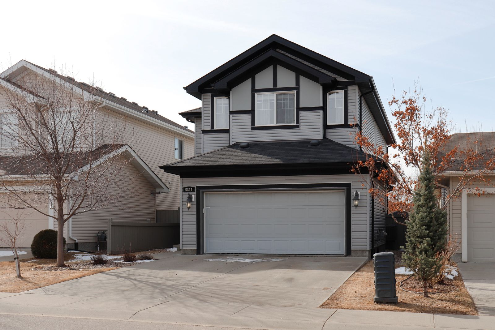 Main Photo: 5811 7 ave SW in Edmonton: House for sale : MLS®# E4238747