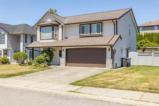 """Photo 3: 35441 CALGARY Avenue in Abbotsford: Abbotsford East House for sale in """"SANDY HILL"""" : MLS®# R2595904"""