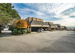 Photo 2: 156 2721 ATLIN PLACE in Coquitlam: Coquitlam East Townhouse for sale : MLS®# R2324465