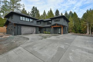 """Photo 1: 430 SOLAZ Place in Gibsons: Gibsons & Area House for sale in """"GEORGIA CREST"""" (Sunshine Coast)  : MLS®# R2623766"""