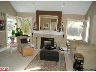 Photo 4: 12872 CARLUKE Crescent in Surrey: Queen Mary Park Surrey House for sale : MLS®# F1111999