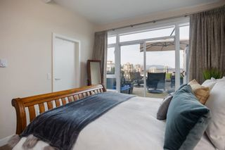 """Photo 22: 2102 668 COLUMBIA Street in New Westminster: Quay Condo for sale in """"TRAPP + HOLBROOK"""" : MLS®# R2576068"""