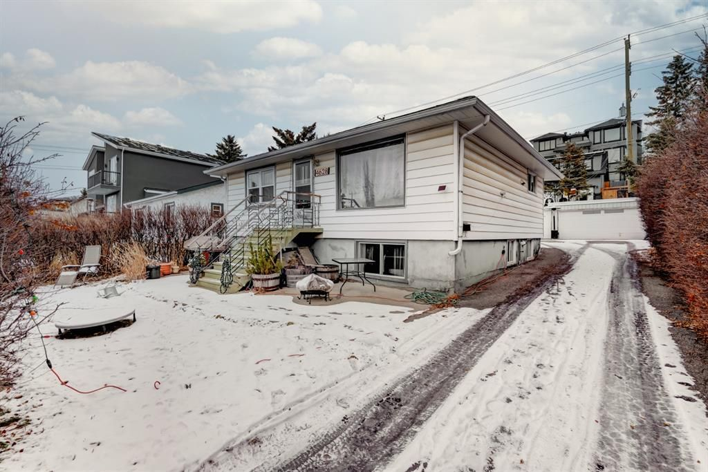 Main Photo: 4628 22 Avenue NW in Calgary: Montgomery Detached for sale : MLS®# A1055199
