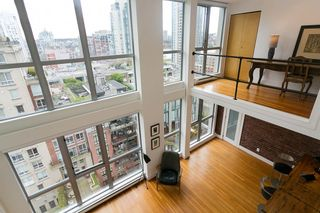 """Photo 1: 1008 1238 RICHARDS Street in Vancouver: Yaletown Condo for sale in """"METROPOLIS"""" (Vancouver West)  : MLS®# R2452504"""