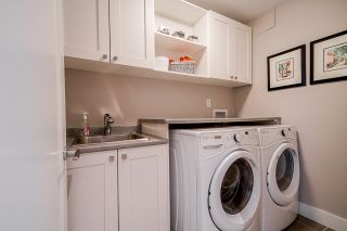 """Photo 22: 508 14855 THRIFT Avenue: White Rock Condo for sale in """"ROYCE"""" (South Surrey White Rock)  : MLS®# R2465060"""