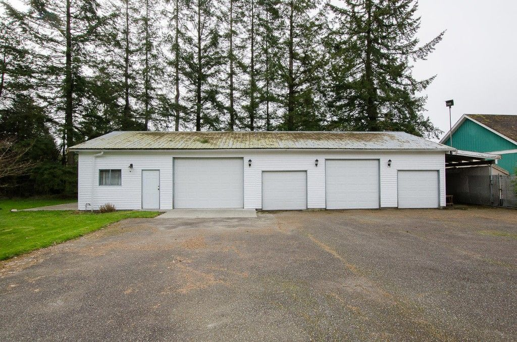 Photo 21: Photos: 24700 50 Avenue in Langley: Salmon River House for sale