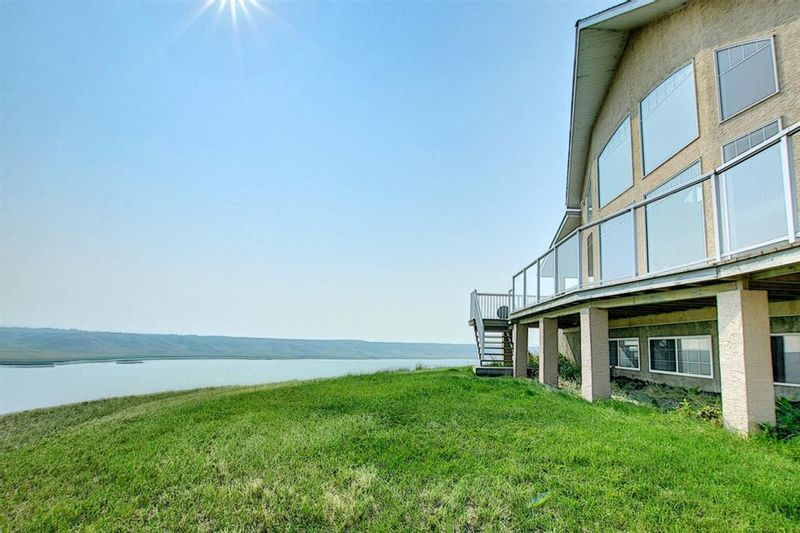FEATURED LISTING: 86 White Pelican Way Rural Vulcan County