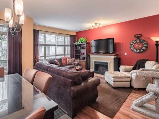 """Photo 2: 41 16789 60 Avenue in Surrey: Cloverdale BC Townhouse for sale in """"Laredo"""" (Cloverdale)  : MLS®# R2540205"""