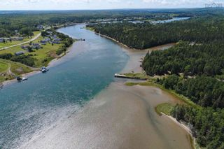 Photo 8: 696 Point Aconi Road in Point Aconi: 207-C. B. County Residential for sale (Cape Breton)  : MLS®# 202120612