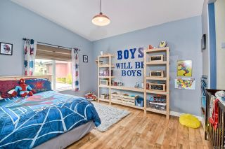 Photo 19: House for sale : 3 bedrooms : 1164 Avenida Frontera in Oceanside