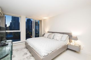 Photo 18: 801 1383 MARINASIDE CRESCENT in Vancouver: Yaletown Condo for sale (Vancouver West)  : MLS®# R2244068