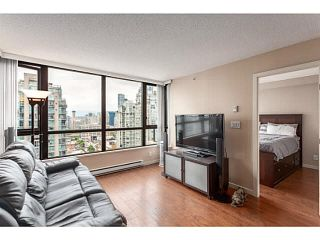 """Photo 3: 2902 928 HOMER Street in Vancouver: Yaletown Condo for sale in """"YALETOWN PARK"""" (Vancouver West)  : MLS®# V1125187"""