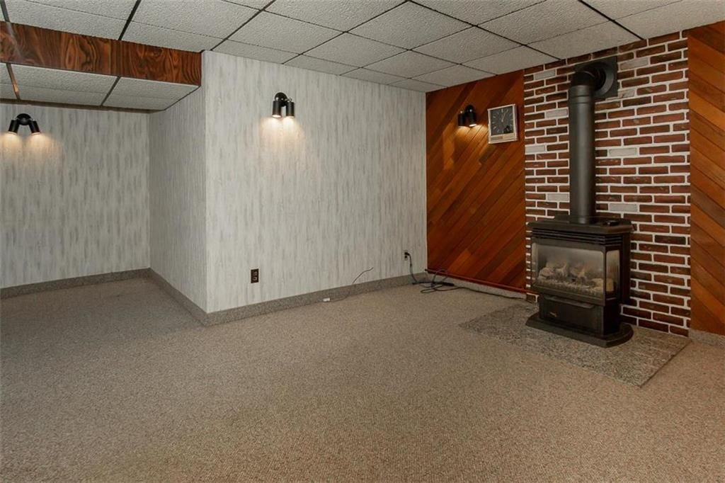 Photo 26: Photos: 128 Sterling Avenue in Winnipeg: Meadowood Residential for sale (2E)  : MLS®# 202011390