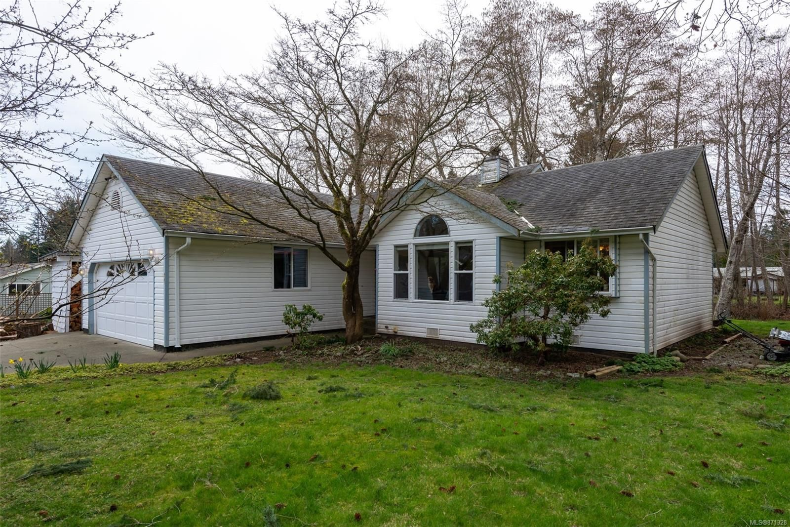 Main Photo: 4761 Wimbledon Rd in : CR Campbell River South House for sale (Campbell River)  : MLS®# 871328