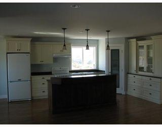 "Photo 4: 5730 GENNIS Way in Sechelt: Sechelt District House for sale in ""THE RIDGE"" (Sunshine Coast)  : MLS®# V785526"