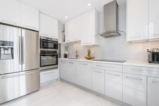 """Photo 5: 506 5885 OLIVE Avenue in Burnaby: Metrotown Condo for sale in """"METROPOLITAN"""" (Burnaby South)  : MLS®# R2167296"""