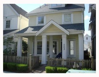 """Photo 1: 223 3000 RIVERBEND Drive in Coquitlam: Meadow Brook House for sale in """"RIVERBEND"""" : MLS®# V663031"""