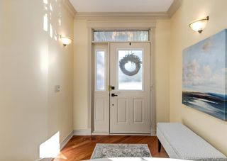 Photo 2: 206 Paliswood Park SW in Calgary: Palliser Semi Detached for sale : MLS®# A1138623