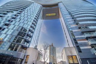 """Photo 15: 1603 89 NELSON Street in Vancouver: Yaletown Condo for sale in """"THE ARC"""" (Vancouver West)  : MLS®# R2411058"""