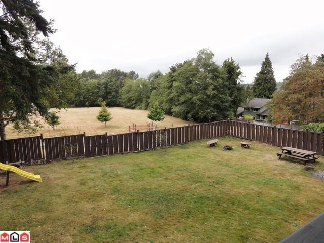 """Photo 14: Photos: 9791 115A Street in Surrey: Royal Heights House for sale in """"Royal Heights"""" (North Surrey)  : MLS®# F1123531"""