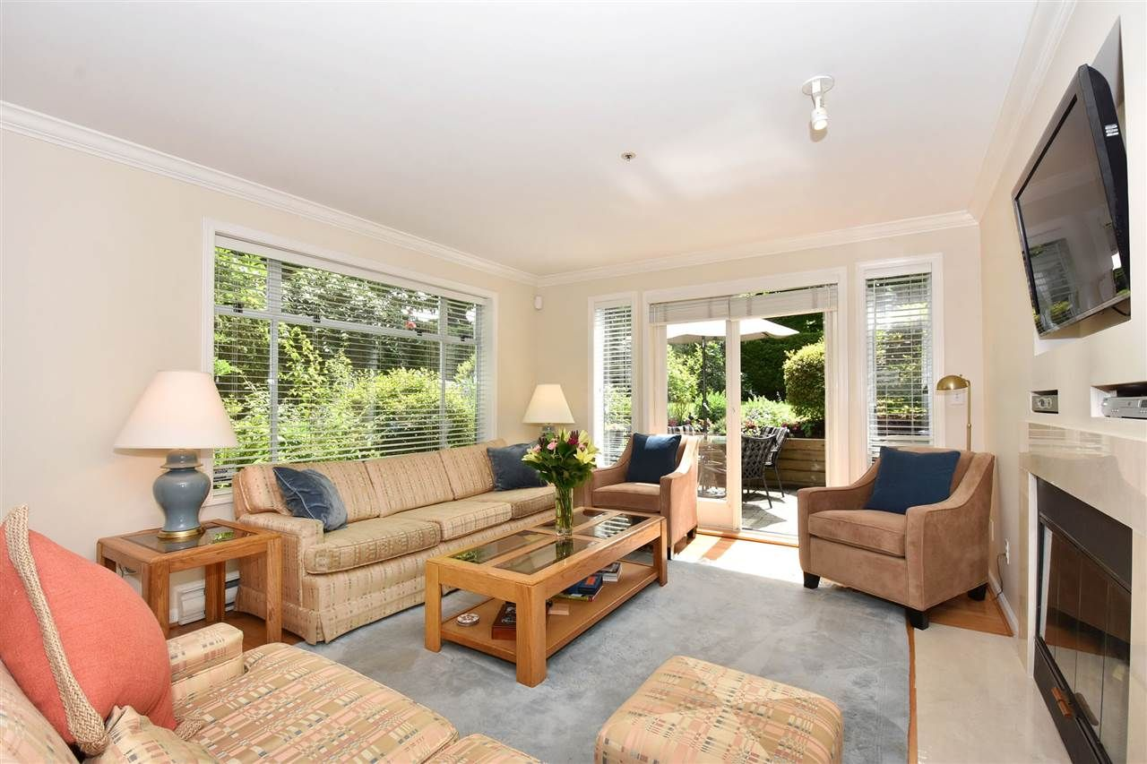 """Main Photo: 2955 CYPRESS Street in Vancouver: Kitsilano Townhouse for sale in """"KITSILANO"""" (Vancouver West)  : MLS®# R2076633"""