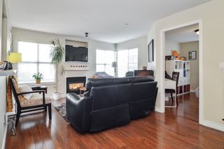 """Photo 5: 124 20200 56 Avenue in Langley: Langley City Condo for sale in """"THE BENTLEY"""" : MLS®# R2585180"""