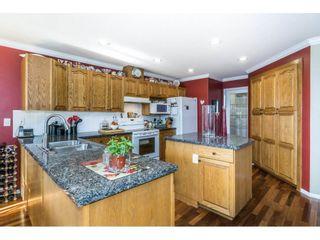 Photo 9: 9237 203B Street in Langley: Walnut Grove House for sale : MLS®# R2273639
