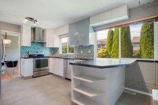 Photo 10: 4151 LANCELOT Drive in Richmond: Boyd Park House for sale : MLS®# R2619374
